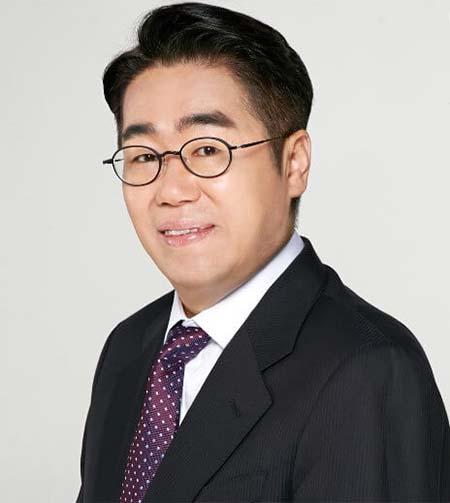 ศัลยแพทย์ตกแต่ง-kim-nam-ho