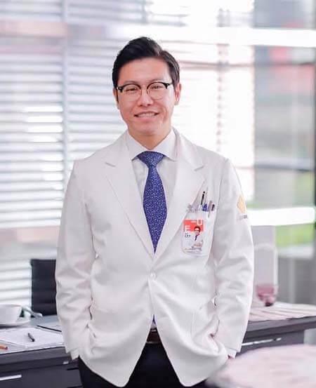 Dr. Kim Jong Yun ศัลยแพทย์โครงหน้า