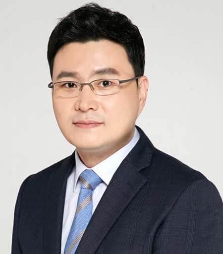 Dr.Tae joi Aha-ศัลยแพทย์ตกแต่ง